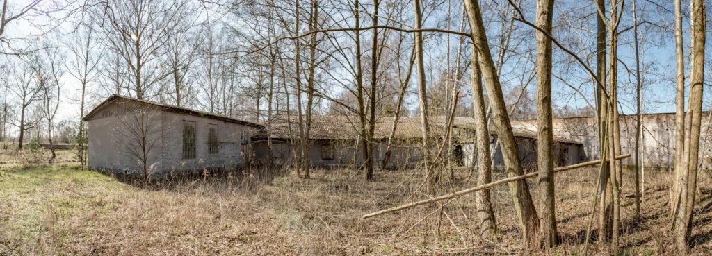 Die sowjetischen Umbauten an der ehemaligen Lagergärtnerei des KZ Ravensbrück. Foto: Christoph Löffler, Berlin