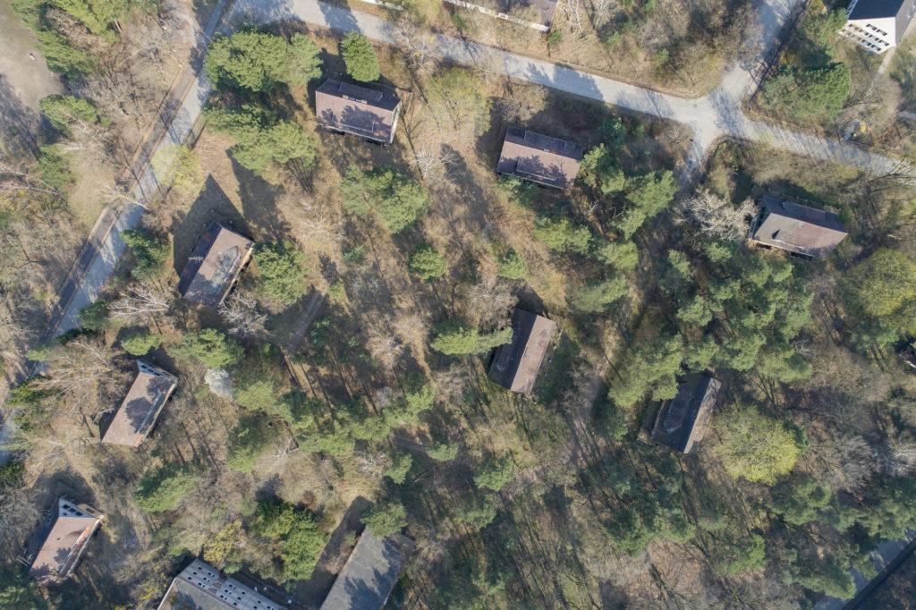 Luftbild des Geländes der ehemaligen SS-Unterführerhäuser. Foto: Christoph Löffler, Berlin