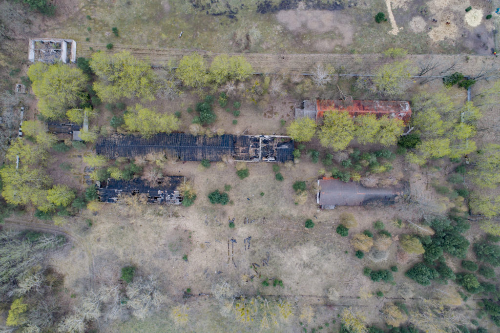 Luftbild vom Gelände der ehemaligen DAW-Tischlerei Ravensbrück. Foto: Christoph Löffler, Berlin