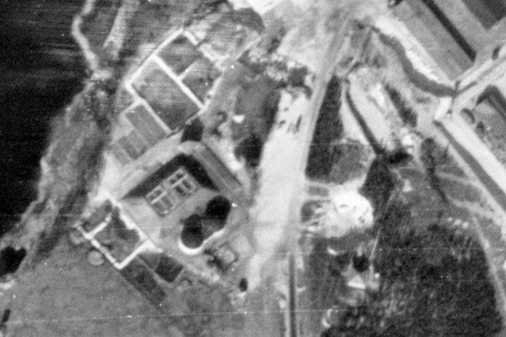 Alliiertes Luftbild der Kläranlage, März 1945. Fotograf/in unbekannt (NCAP/ncap.org.uk)