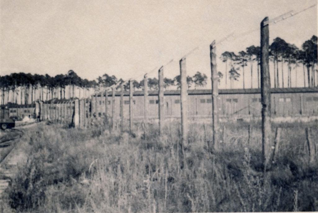 Die ehemaligen Beutegut-Baracken, ca. 1959. Fotograf/in unbekannt (MGR/SBG, Foto-Nr. 2610)