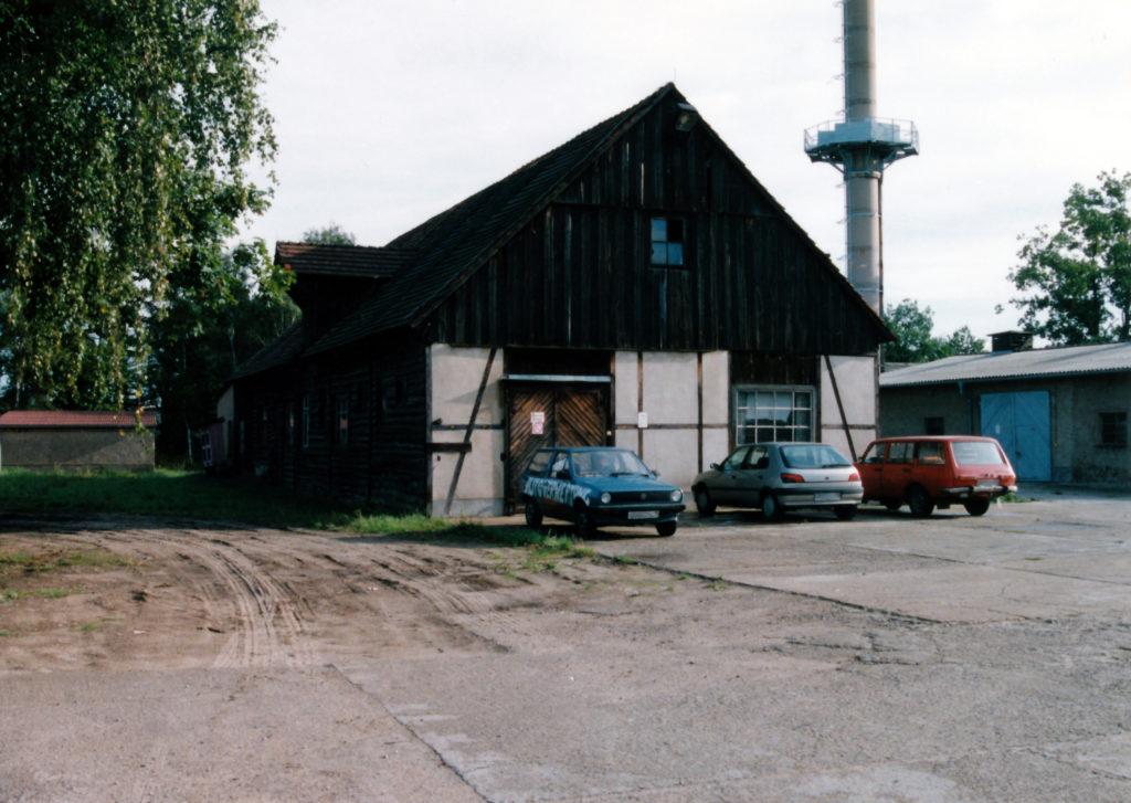 Ein Schuppen des ehemaligen Bauhofes der SS-Bauleitung Ravensbrück im Jahr 1994. Foto: Heinz Heuschkel (MGR/SBG, Foto-Nr. 2002/240)